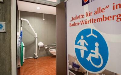 """CURATOR Wandlift in """"Toilette für alle"""""""